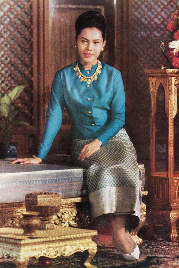"""นิทรรศการงาน """"ทรัพย์แผ่นดิน ศิลป์สยาม : Thai Treasures"""""""